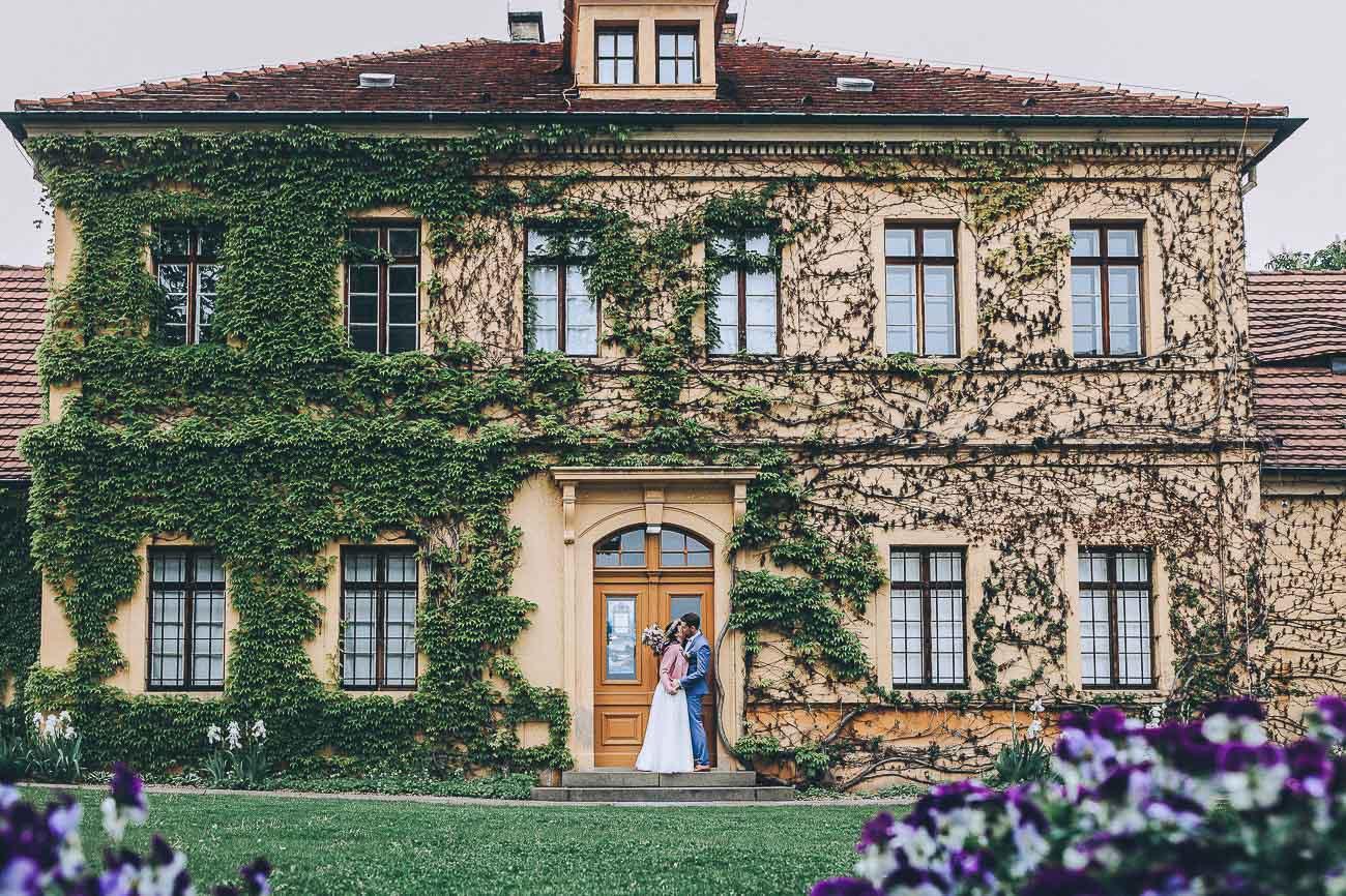 Brautpaarbilder_Weingut_Hofloeßnitz_Hochzeitsfotograf_075-_
