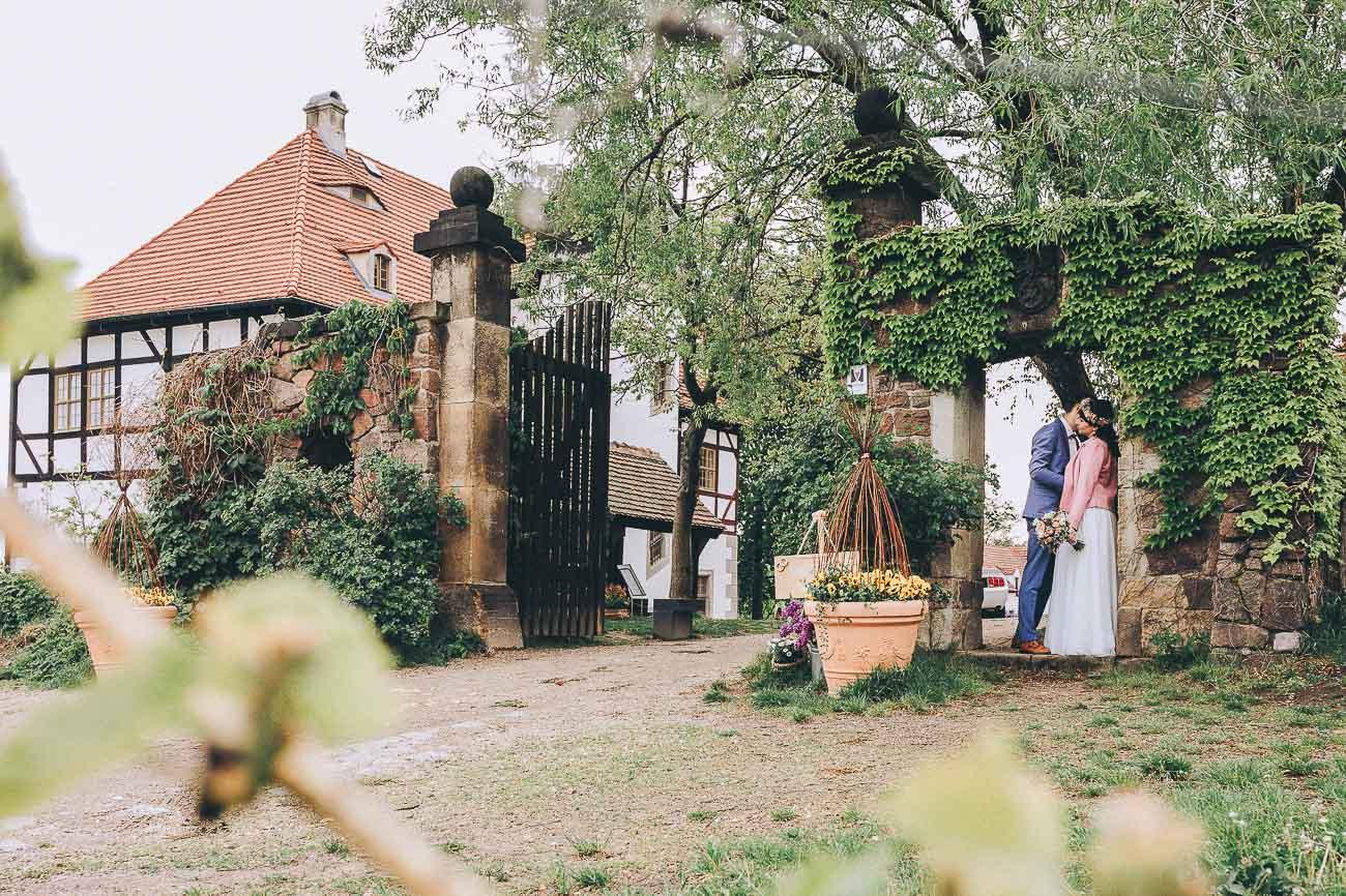 Brautpaarbilder_Weingut_Hofloeßnitz_Hochzeitsfotograf_078-_