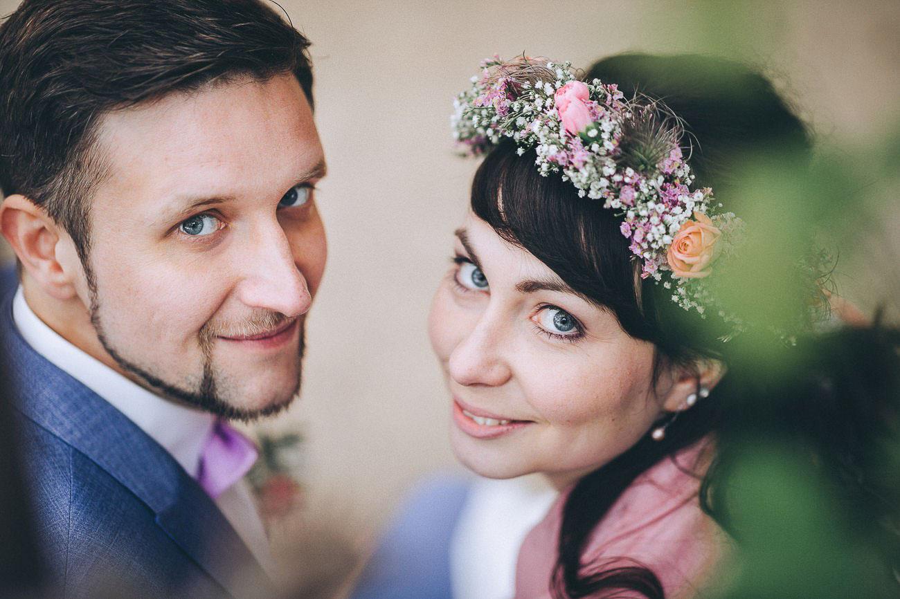 Brautpaarbilder_Weingut_Hofloeßnitz_Hochzeitsfotograf_085-_