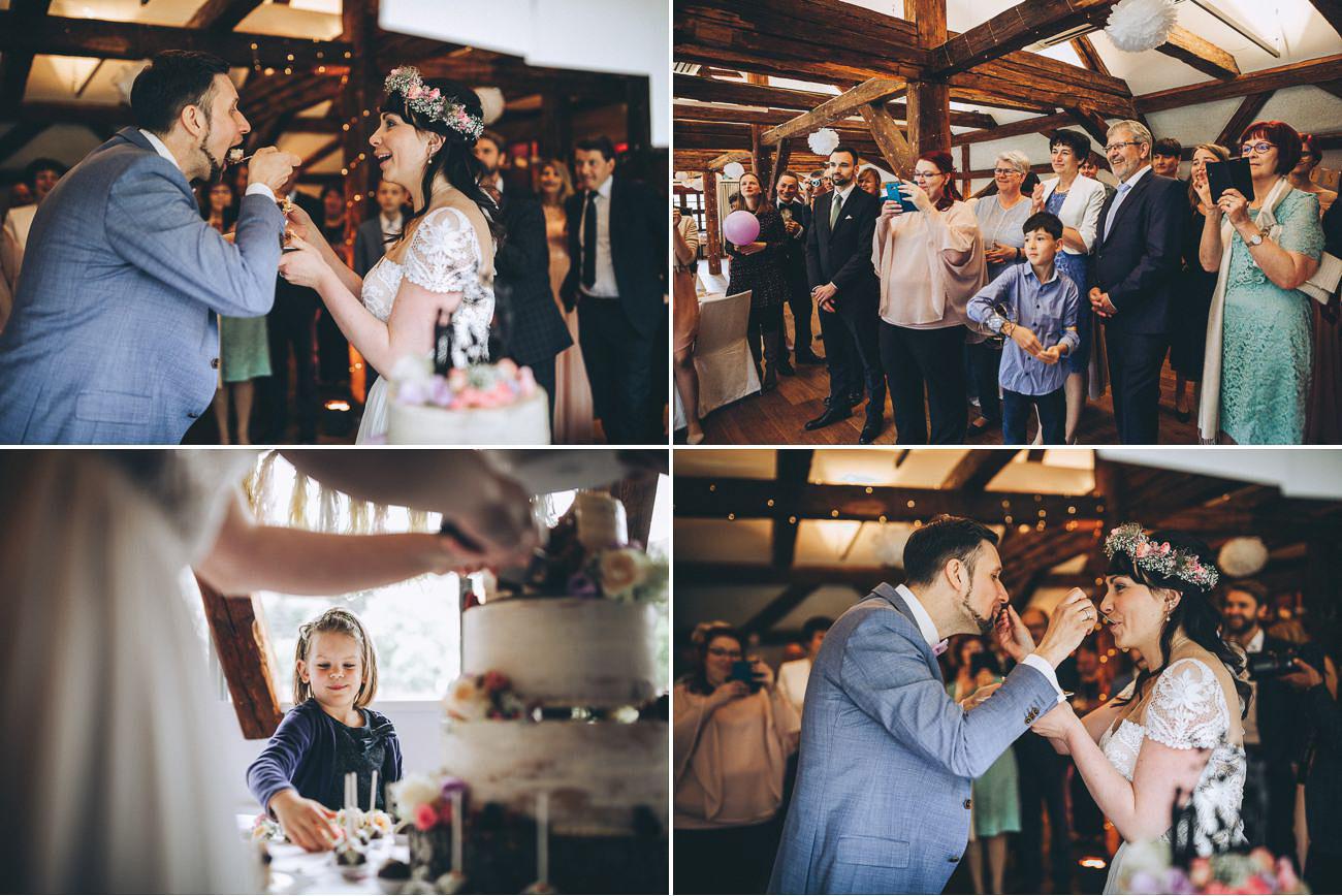Hochzeitsfeier_Weingut_Hofloeßnitz_Hochzeitstorte_067-_