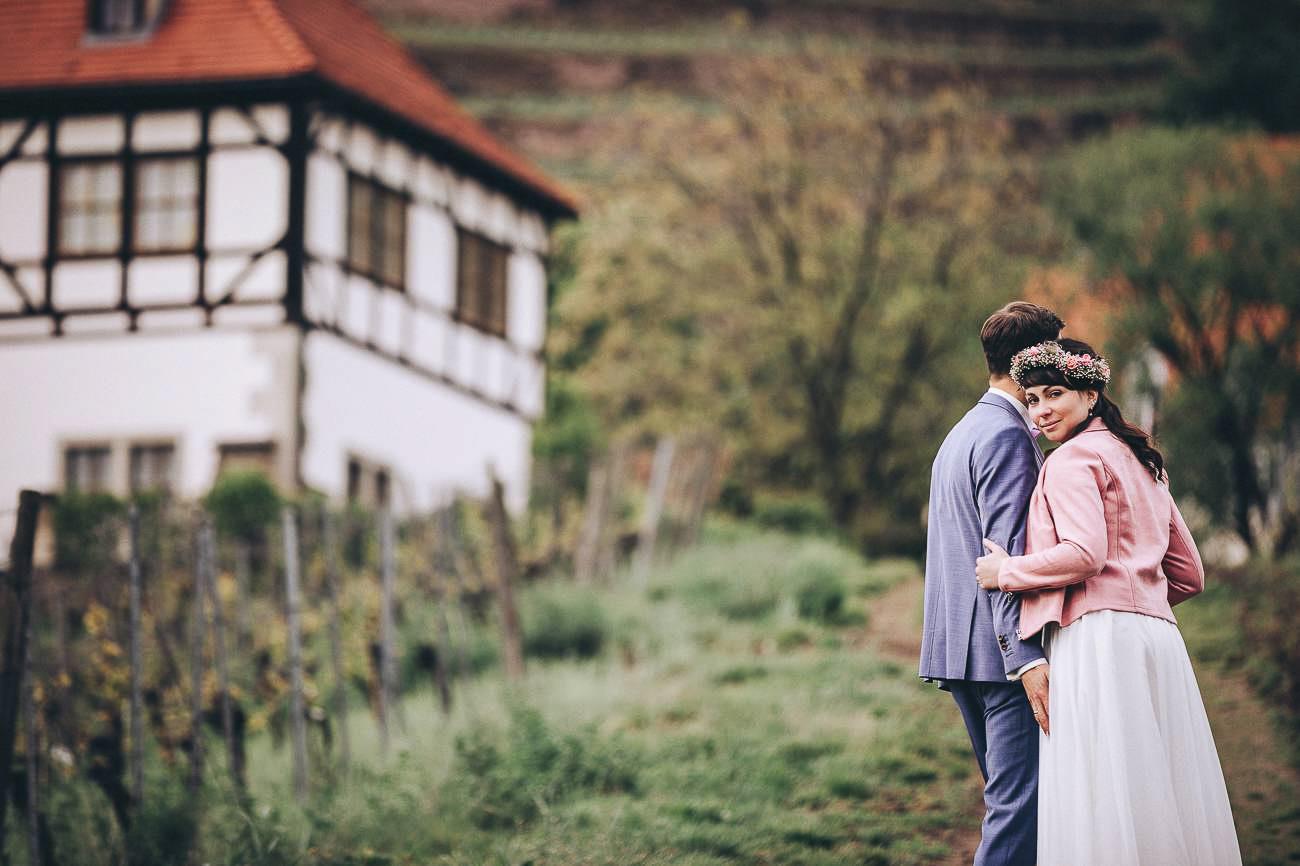 Hochzeitsfotograf_Brautpaarfotos_Weingut_Hofloeßnitz__088-_