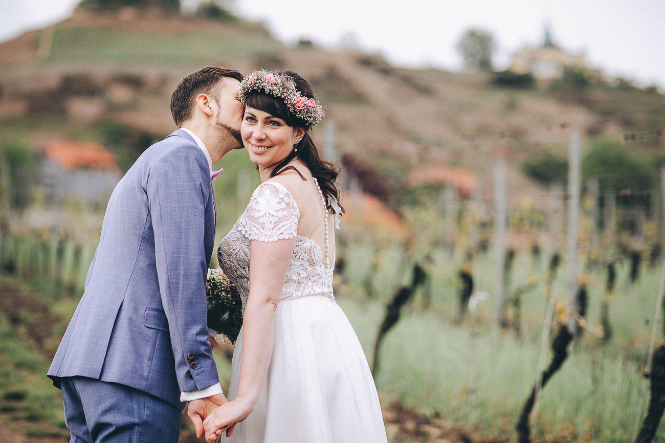Hochzeitsfotograf_Brautpaarfotos_Weingut_Hofloeßnitz__089-_