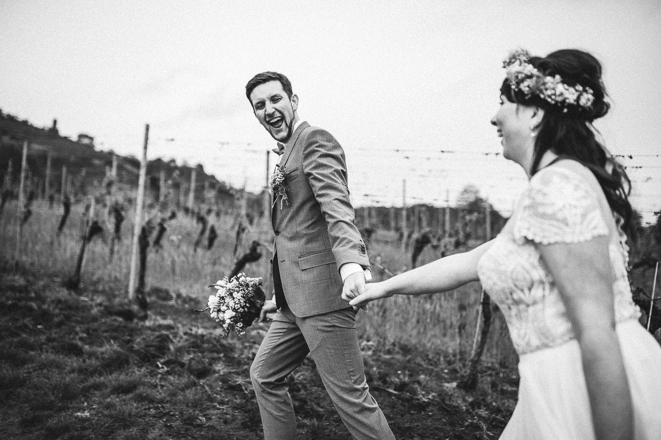 Hochzeitsfotograf_Brautpaarfotos_Weingut_Hofloeßnitz__092-_