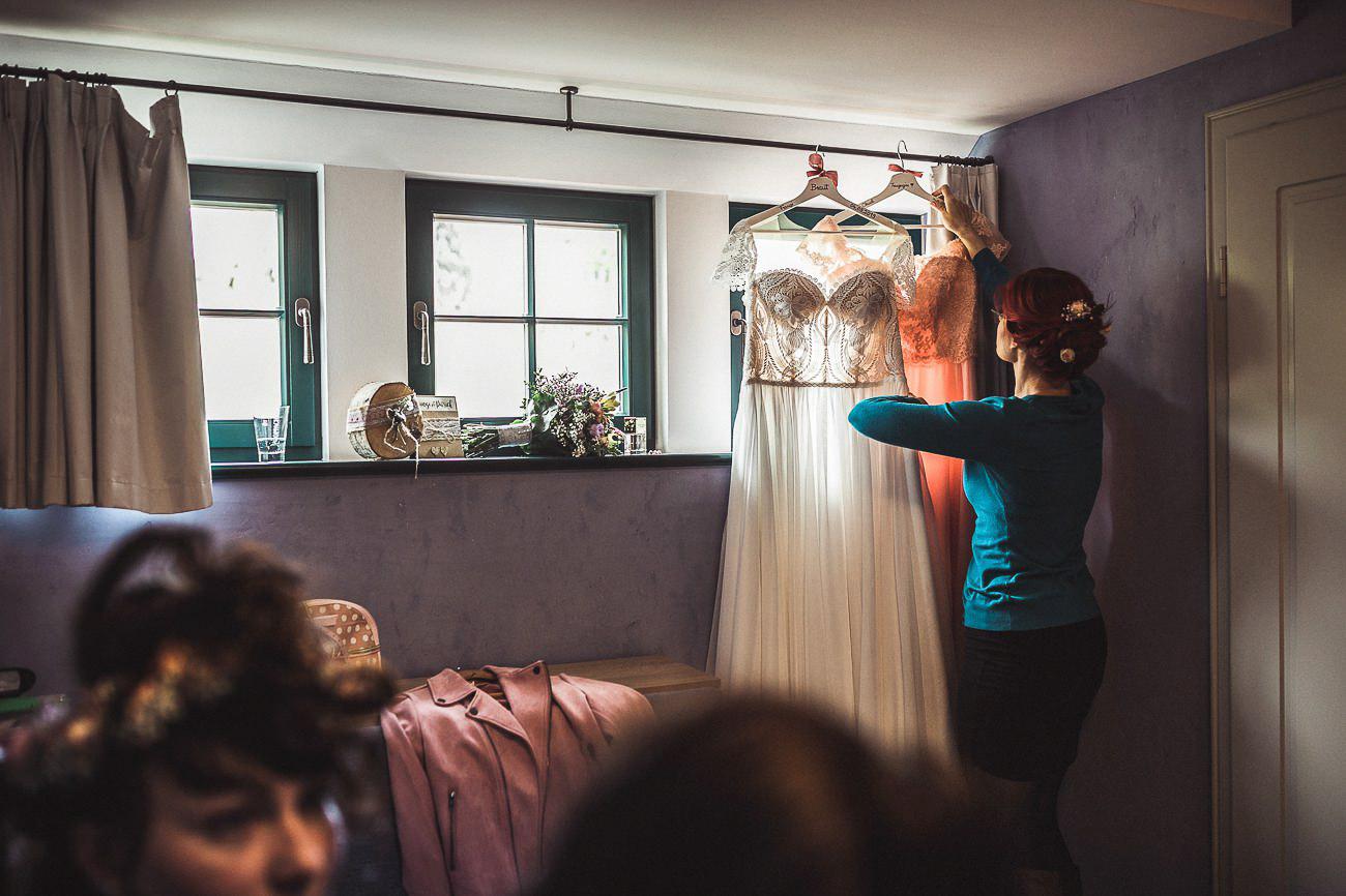 Hochzeitsfotograf_Radebeul_Getting_ready_weingut_006-_
