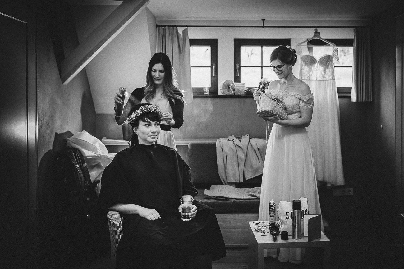 Hochzeitsfotograf_Radebeul_Getting_ready_weingut_023-_