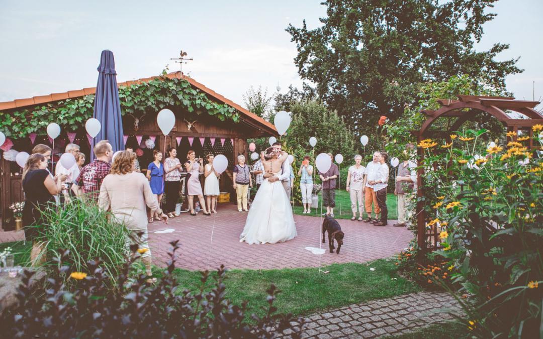 Vintage-Hochzeit im Garten